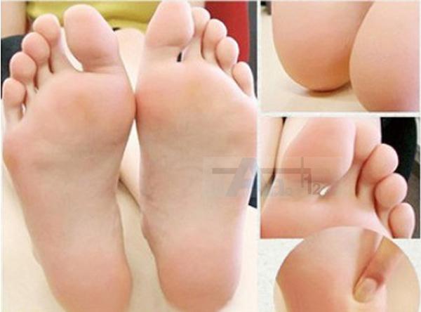 8pcs=4pair foot Mask socks Peeling Feet Mask Exfoliator Foot Pedicure Care Remove Dead Skin Cuticles(China (Mainland))