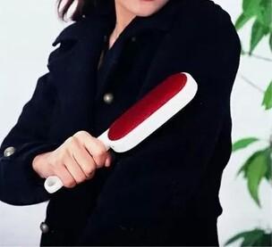 Sided magic dust brush clothes brush electrostatic dust absorption strong electrostatic dust brush brush(China (Mainland))