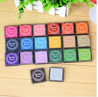 20pcs/lot 20 Colors DIY Scrapbooking Vintage Crafts Ink pad Colorful Inkpad Stamps Sealing Decoration Stamp(China (Mainland))