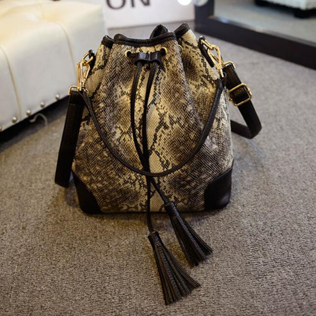 цена Сумка через плечо Bolsas femininas women bag PU Bolsos Mujer Desigual New2015 #156 bolsas femininas women bag #156 онлайн в 2017 году