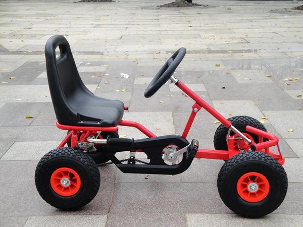 Как сделать детскую машину с педалями 748