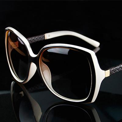 Fashion Sunglasses Women Original Brand Designer Sun Glasses Gafas De Sol With Case Women Vintage Oculos De Sol Feminino C 9110(China (Mainland))