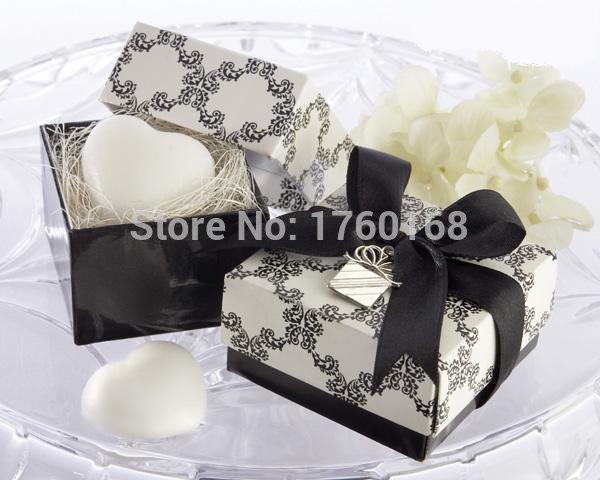 Venda quente personalidade coração sabonete com caixa de presente preta e fita delicada uso de fontes do casamento e férias e presentes do partido(China (Mainland))