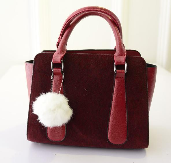 2015 cute cool Korean new winter hairy ball style upscale handbag shoulder bag wholesale big women's travelling nice hand bag(China (Mainland))