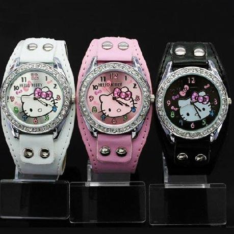 2015 New Hello Kitty Watches Fashion Ladies Quart Watch Vintage Kids Cartoon Wristwatches Analog King Girl