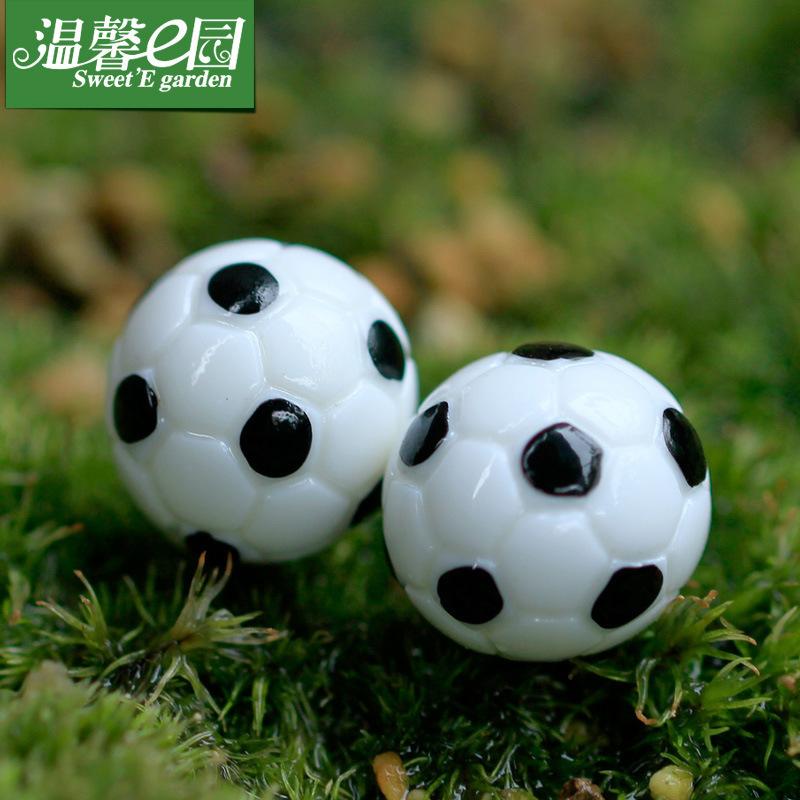 50pcshome decoration Moss micro landscape ornaments Lovely simulation miniature football basketball DIY assembly small place(China (Mainland))