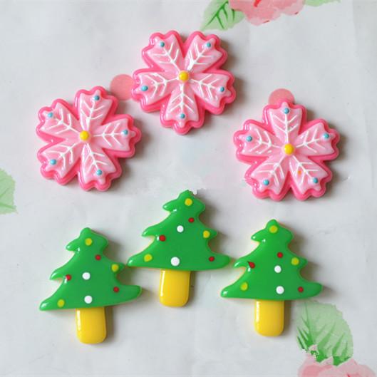 100pcs/lot Mix Assort Resin Christmas tree & snow Flat Back Scrapbook Buttons Craft for DIY Craft fit phone Decoration(China (Mainland))