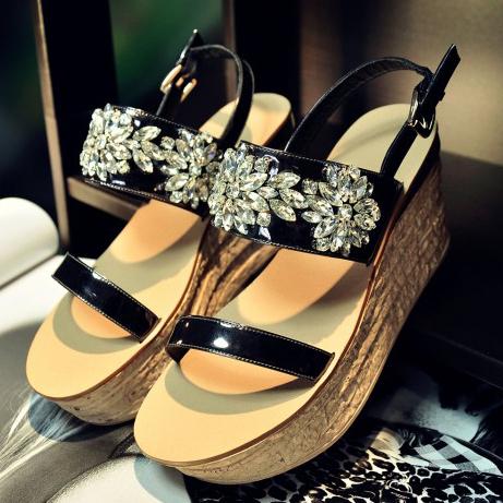 2015 Fashion Women's Full Grain Leather Wedges Heel sandals Rhinestone green / Black Luxury Brand Casual shoes for women(China (Mainland))