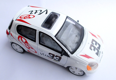 2014 NEW FREE SHIPPING FOR COLLECT MINI CAR PULL BACK CAR ALLOY CAR TOY TOYOTA VITZ SPORT CAR(China (Mainland))