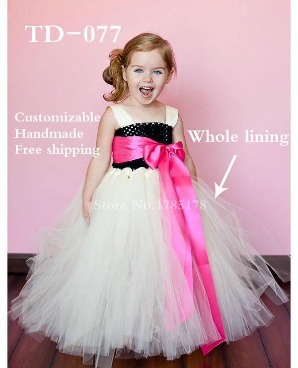 China Alibaba hot sale handmade girl communion dress ivory tulle black crochet top girl long dress hot pink sash whole lining(China (Mainland))