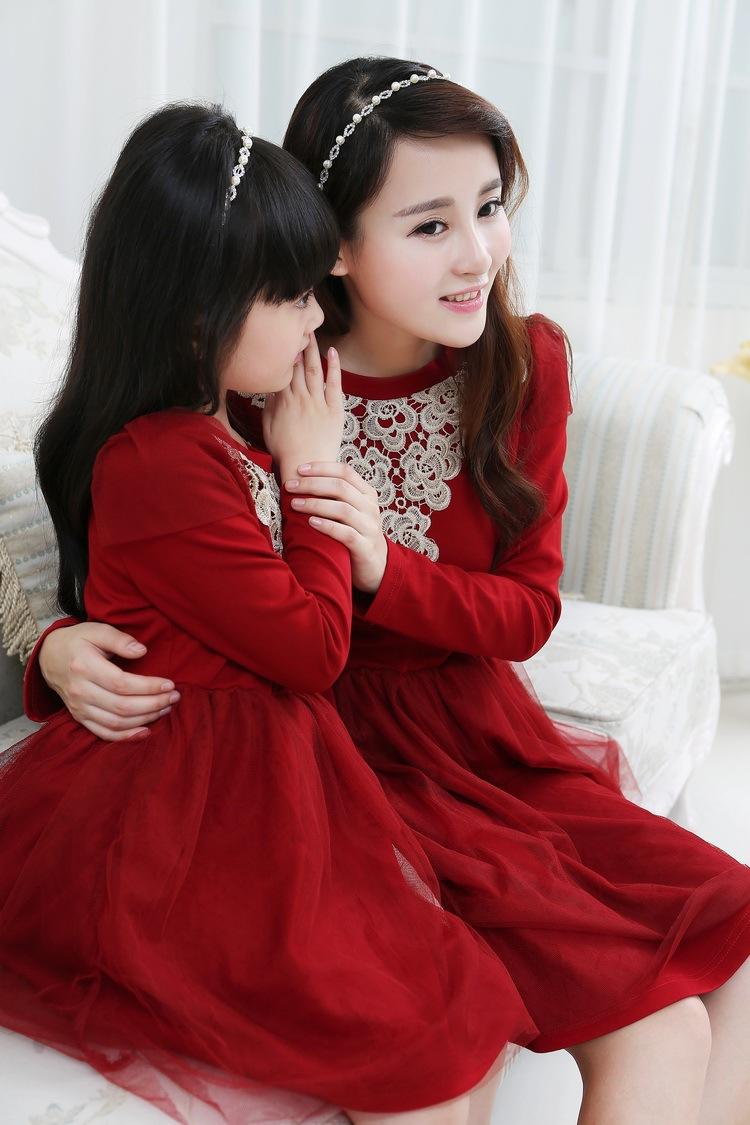 Spring/Autumn Mother And Daughter Princess Sweet Cotton Dress Chiffon Mesh Family Disc Flower Elegant Dress(China (Mainland))