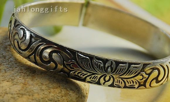 Antique Women's Tibetan Silver Bangle Fashion Bracelet 1cm Wide Flower Carving Adjustable Holiday Gift (23428)(China (Mainland))