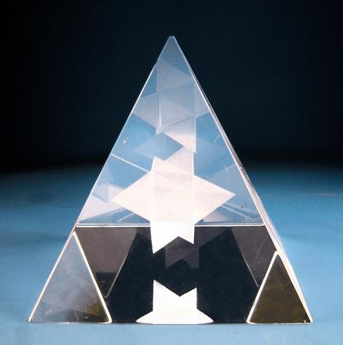 Free shipping wholesale 6cm crystal pyramids with 3D Merkaba laser photo with gift box and with LED lights rotating bases(China (Mainland))