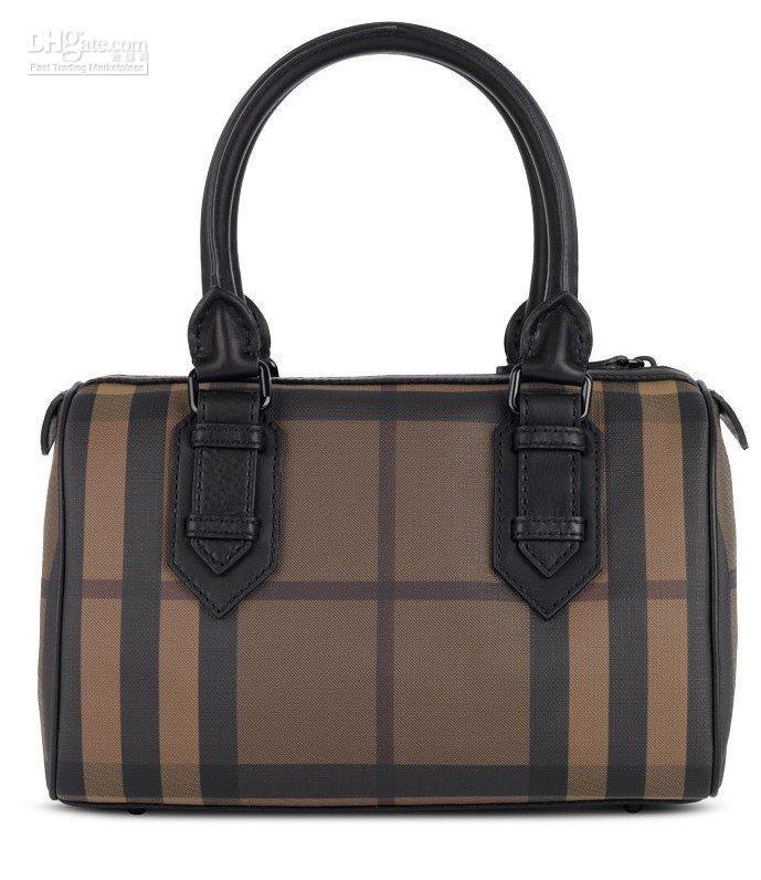 جبتها لكمالحقائب ذات النقوش خيارك الاوحد للتميزدار الحقائب الفرنسية لانسل