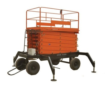 four wheel towable lift