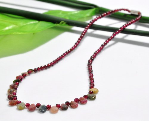 Fashion Natural crystal beads necklace Natural Garnet beads necklace AAA [free shipping](China (Mainland))