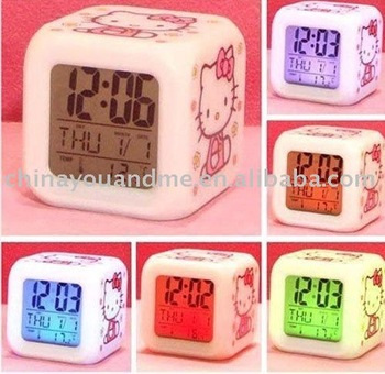 Hello Kitty LED 7 Color Electronic Color Change Digital Alarm Clock New  led watch Hotting 100pcs