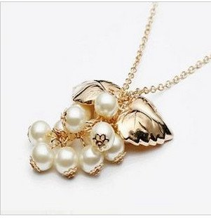 Free EMS shipping wholesale price !fashion jewelry ,fashion neckalce,gold plated and grape pearl pendant 10pcs/lot(China (Mainland))