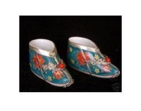 collect CHINESE PORCELAIN SHOES statue decorate 100% free shipping