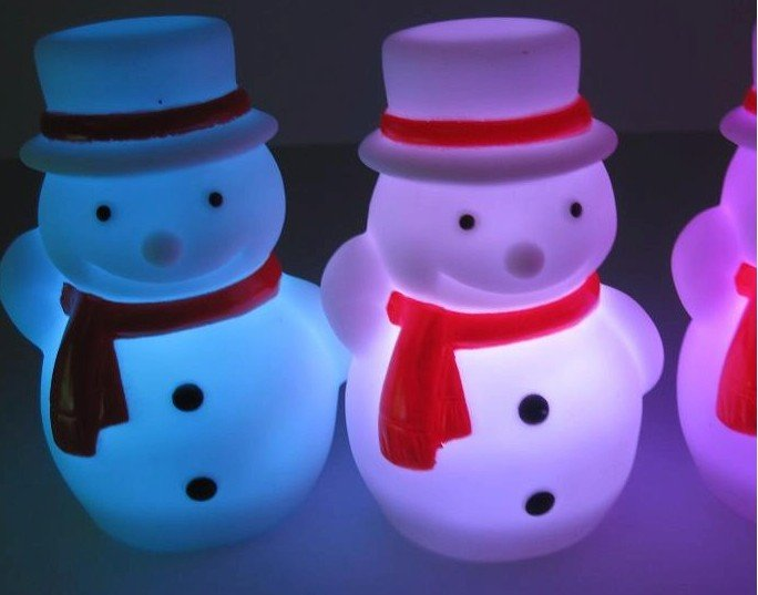 EMS Free Shipping Novelty Product 50pcs/lot color changing snow man night light(China (Mainland))
