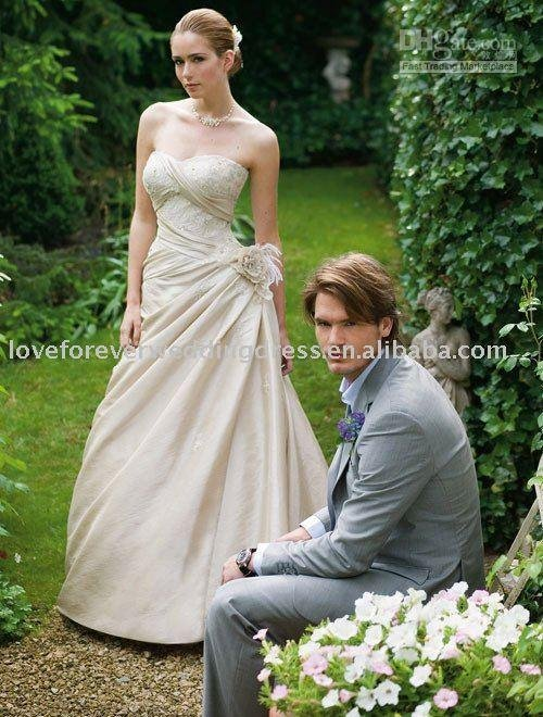 charming wedding gowns international Tube Top style Beach lass 2010 customer made(China (Mainland))