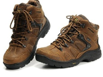 free shipping(High quality) Mack cow leather hiking shoes outdoors shoes  Size:39-44