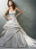 Free Shipping Sweetheart Neckline Organza Wedding Dress any size/color wholesale/retail