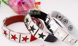 Wholesale The latest rivet leather bracelet hand belt hand rope lovers hand catenary 4 color optional A1153(China (Mainland))