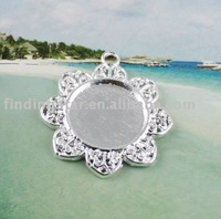 50 Silver plated Cabochon Settings Pendant Trays glue on bail picture frame flower charm A12188SP