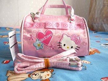 NEW Hello Kitty Handbag shoulder bag/tote bag 874