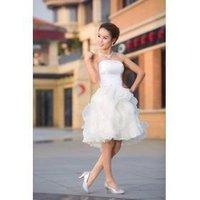 Welcome toast chair, cute little bride wedding dress, bridesmaid dress