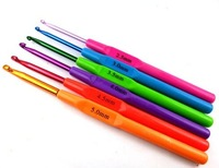 FREE SHIPPING 6pieces/set different size&multi-colour Plastic Crochet Hooks knitting Needles 2.5 - 5mm