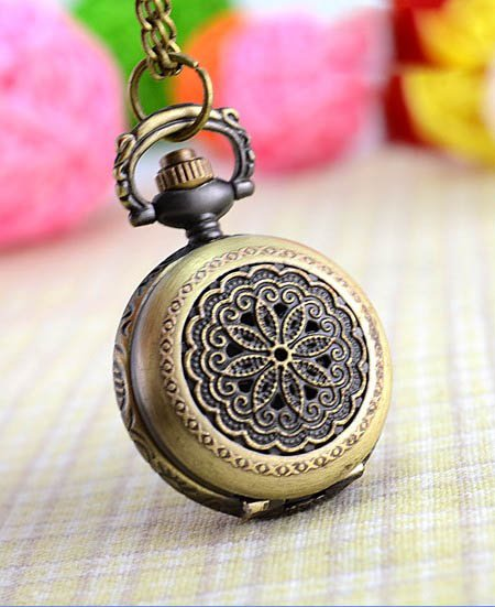 Free shipping ,Minimum quantity 1 piece,China green bronze art pattern quartz necklace pocket watch(China (Mainland))