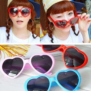 Hot Sale fashion sunglasses,heart sunglasses,party sunglasses, 36pcs/lot, free shipping(China (Mainland))