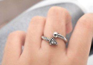 Ajustável fio torção geométrica anel de zircão inlayed openingRing grátis frete(China (Mainland))