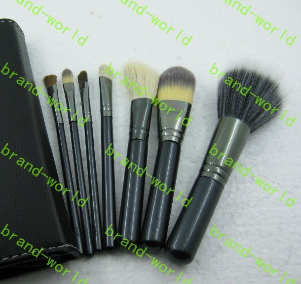 New 7 pieces brush with number and brand logo brushes set. 10 pcs. free shipping! lowest price!(China (Mainland))