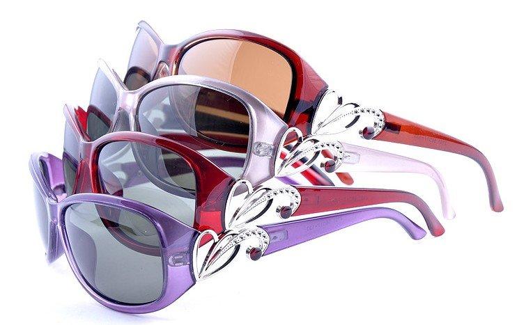 2011hot sale Women's sunglasses,polarized light sunglasses ,resist UVB sunglasses,high quality and cheap sunglasses(China (Mainland))