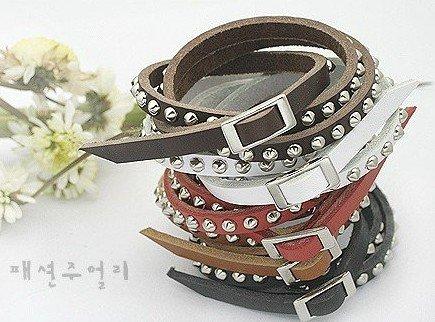 moda pulseira de couro com rebites de metal e fivela, serpentina multi- círculo +free transporte(China (Mainland))