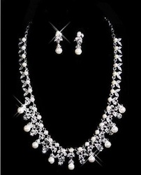 2011 best selling Gorgeous 100% guaranteed wedding Accessories Bride Necklace/Pearl Necklace/Elegant Necklace 3703(China (Mainland))