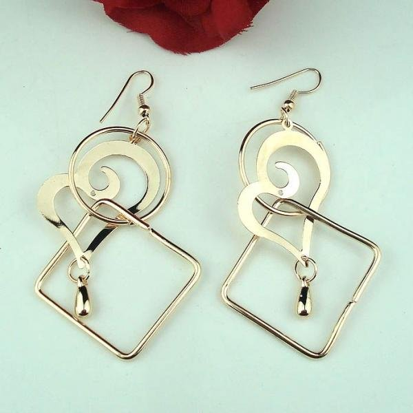 low-cost wholesale fashion Jewelry Alloy golden heart Dangle Earring(China (Mainland))