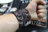 FREE SHIPMENT.fashion jewelry,leather bracelet.fast delivery time with high quality.