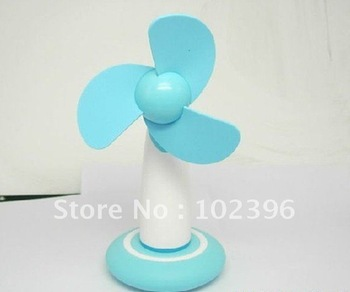 TOP SALE 2011 Newest 4 Port 2.0 USB HUB Mini Fan Hand Mini Fan Gifts Fan For APAD/ EBOOK/ PC/ LAPTOP  Free Shipping