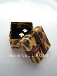 Free ship!!! High Grade Charm Paper Jewelry box Display Gift Box Case necklace earring ring box 4.5*4.5*3.5cm(China (Mainland))
