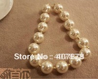 2pcs/lot New Arrival Korea Style White Big Pearl Necklace   N-1524