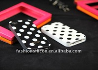 Various designed and free sample of silicone covers for iphone 4