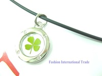 Hot sale,Free shipping,fashion jewelry pendant real four leaf clover circle shaped jewelry necklace pendant +free gift box