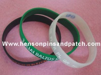 Customized silicone bracelet, wristbands,promotional gifts, souvenir,silicone keychain, custom as your request