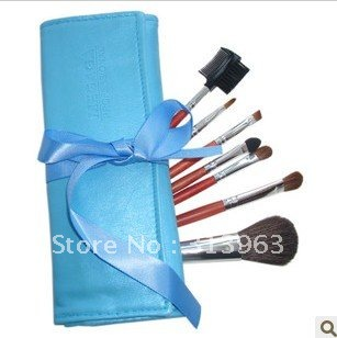 Best cosmetic brush professional make up brush blusher with pouch easy to carry(China (Mainland))