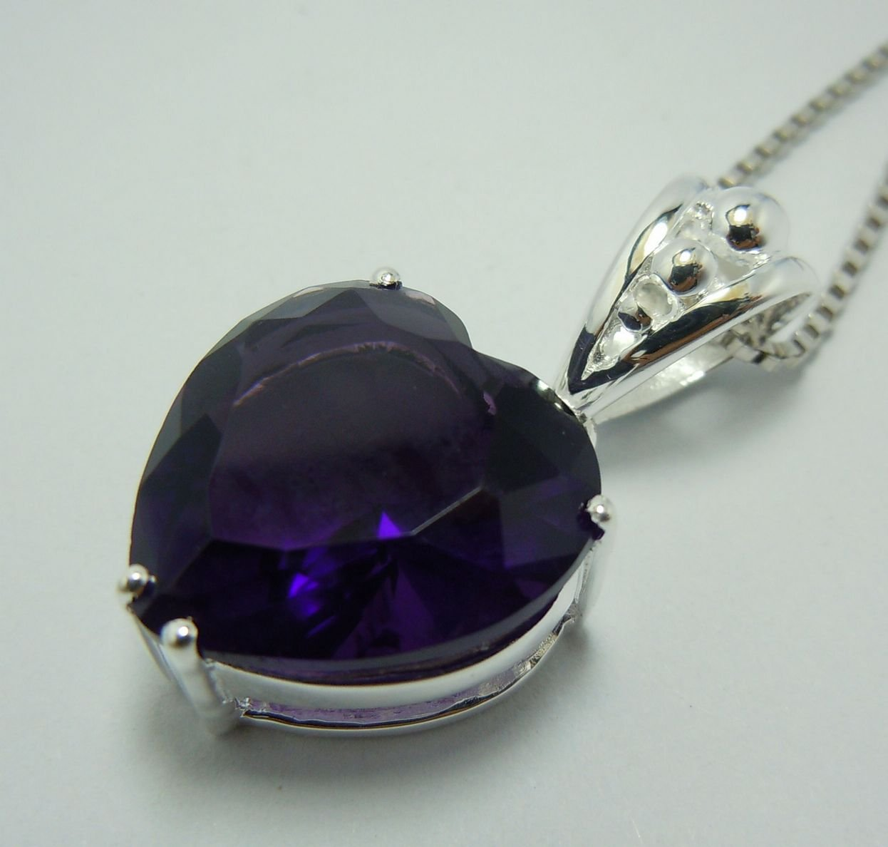 Hot ~ promotion! Free transport 925 silver mysterious heart-shaped amethyst pendant. Woman's pendant. Good jewelry pendant.(China (Mainland))