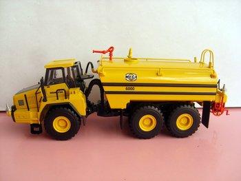 1:50 Komatsu HM400-1 Articulated Water Tanker toy
